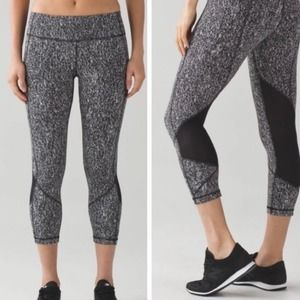 """Lululemon Pace Rival Crop (19"""") Power Luxtreme 6"""